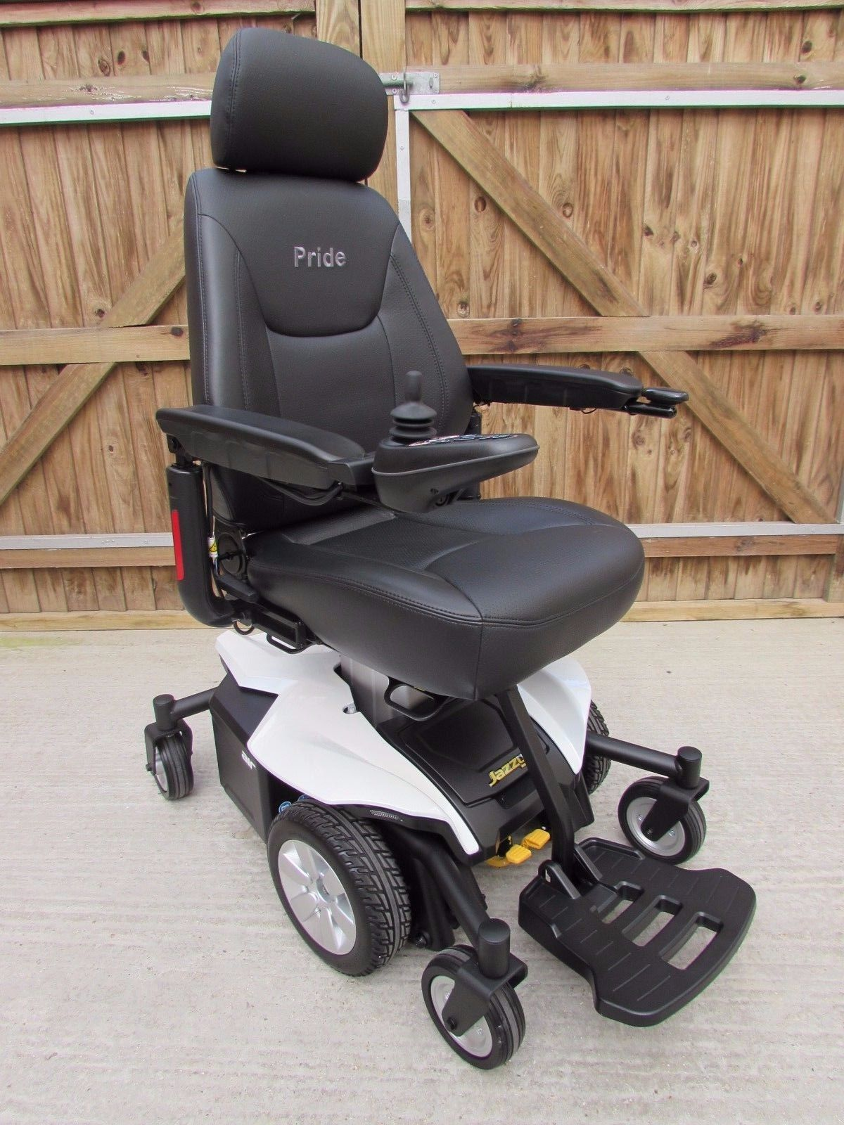 NEW PRIDE Jazzy Air Fast High Lift Seat Mid Drive Electric
